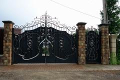 Кованые-и-сварные-заборы-калитки-ворота